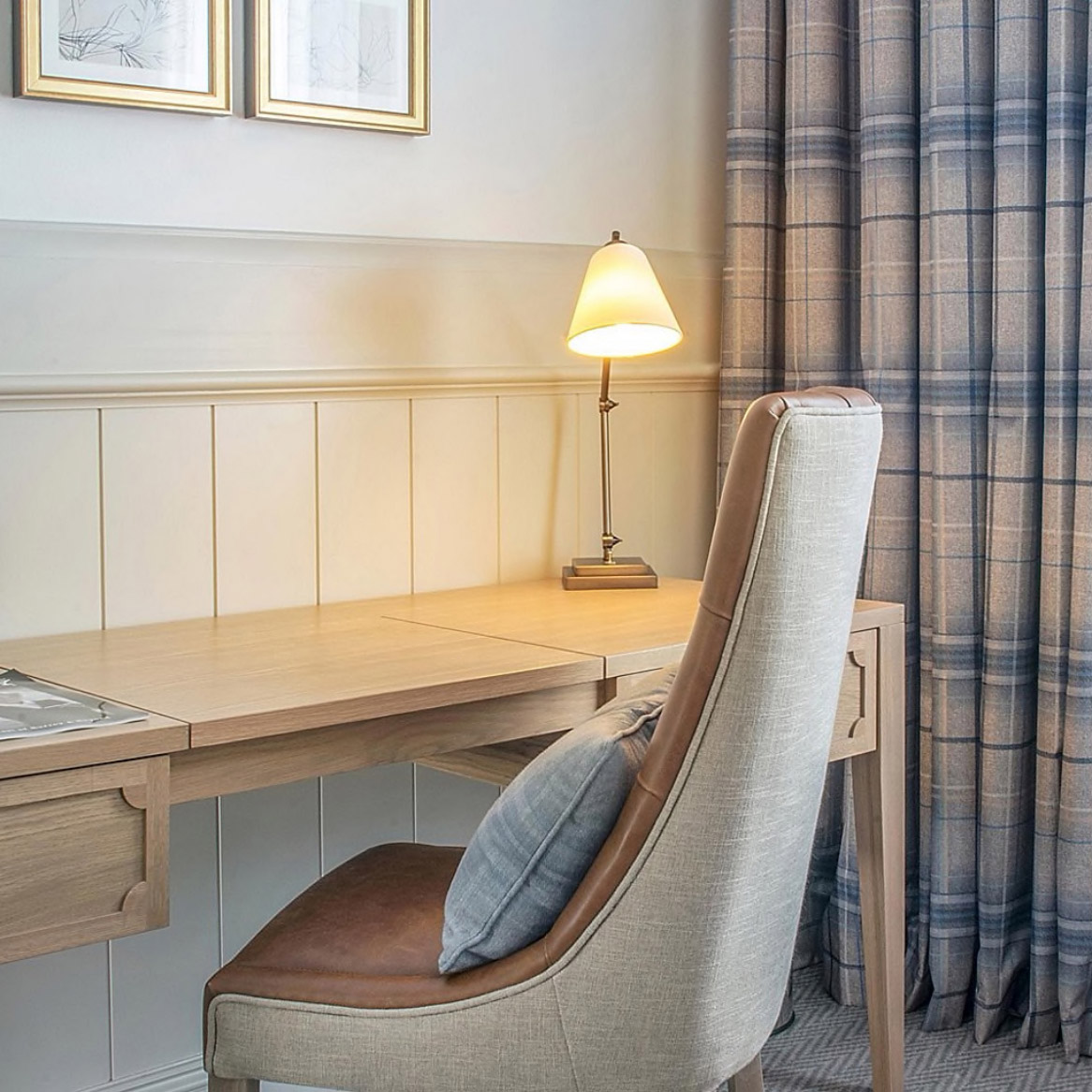 Executive Room desk and chair