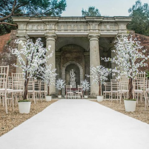 The wedding isle in the Italian gardens