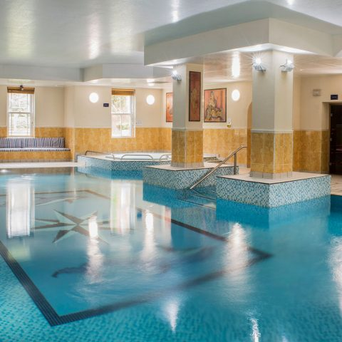Leisure area with swimming pool, jaccuzi and sauna