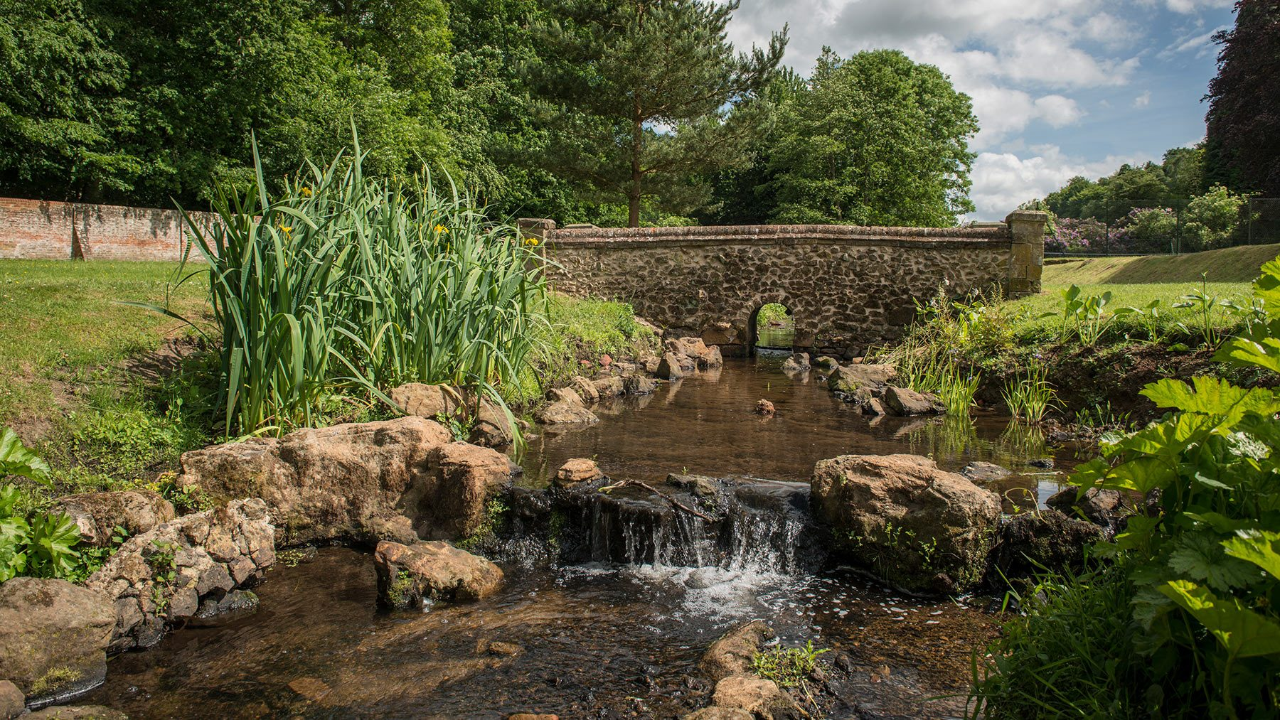 The River Tillingbourne flows through the Italian Gardens